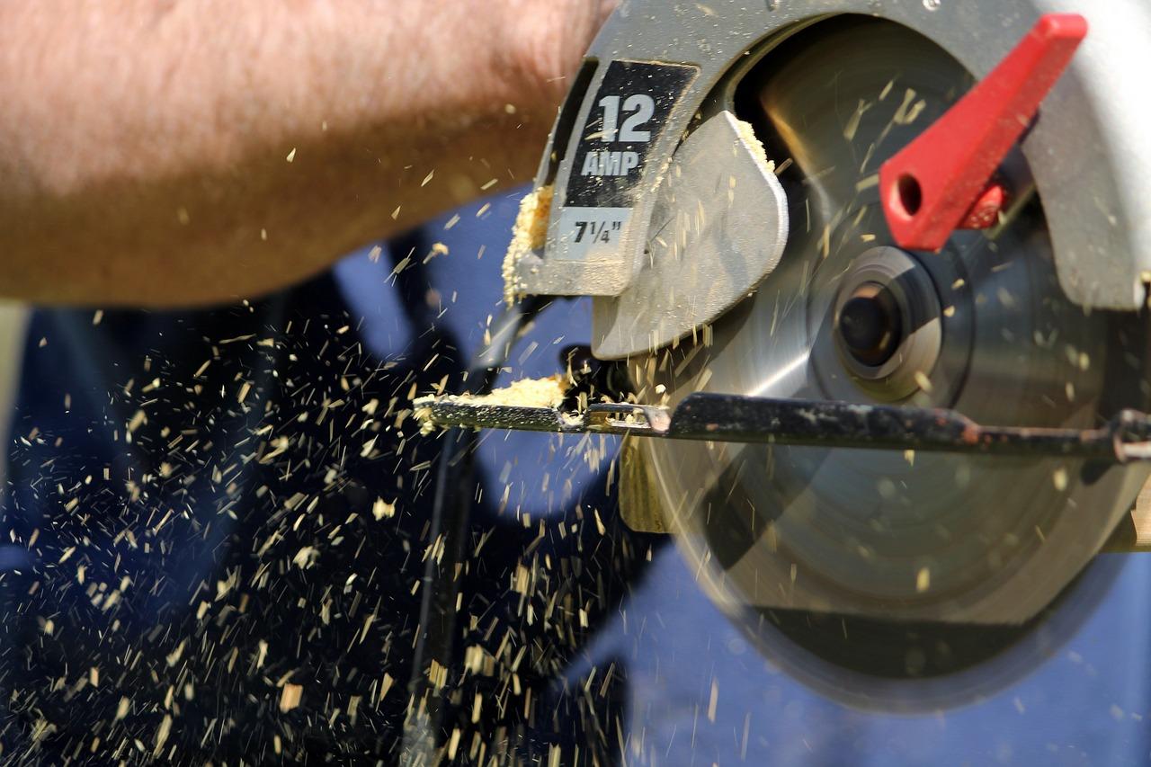 skill-saw-103124_1280